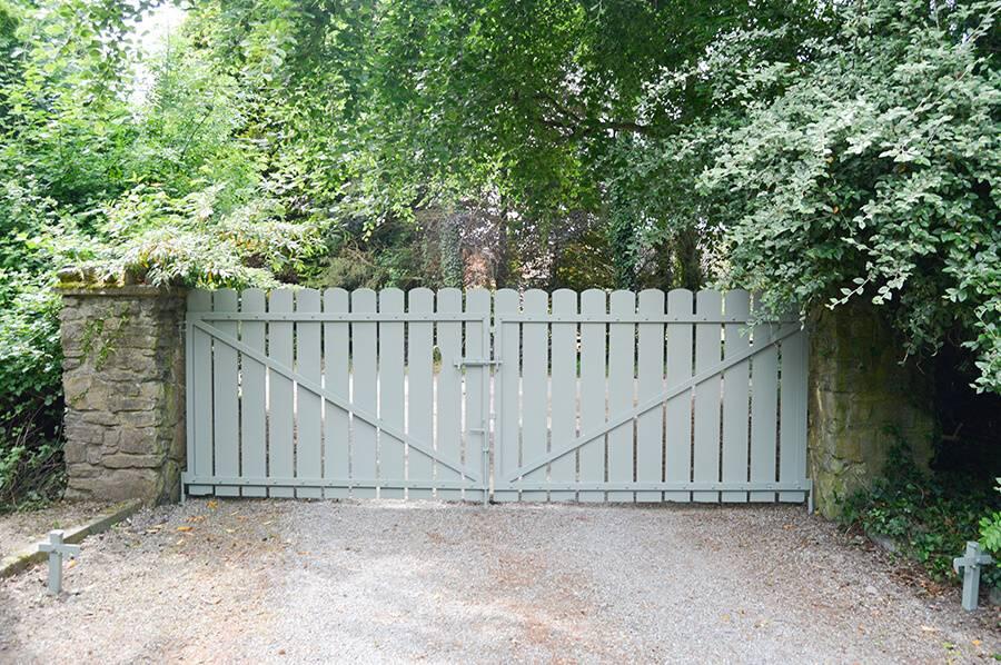 Lynam PAinting Ltd - Gates 5 (1)