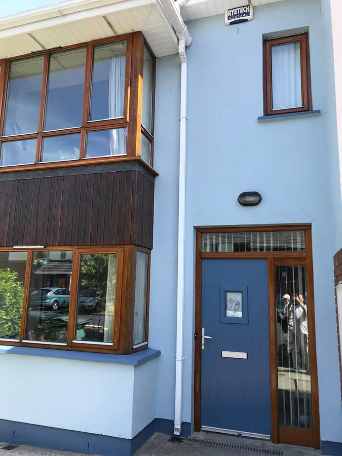 Lynam Painting Ltd - Blue Front Door 1 - Copy (2)